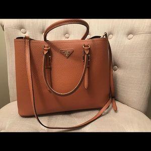 PRADA (Milano): Leather & Gold Handbag